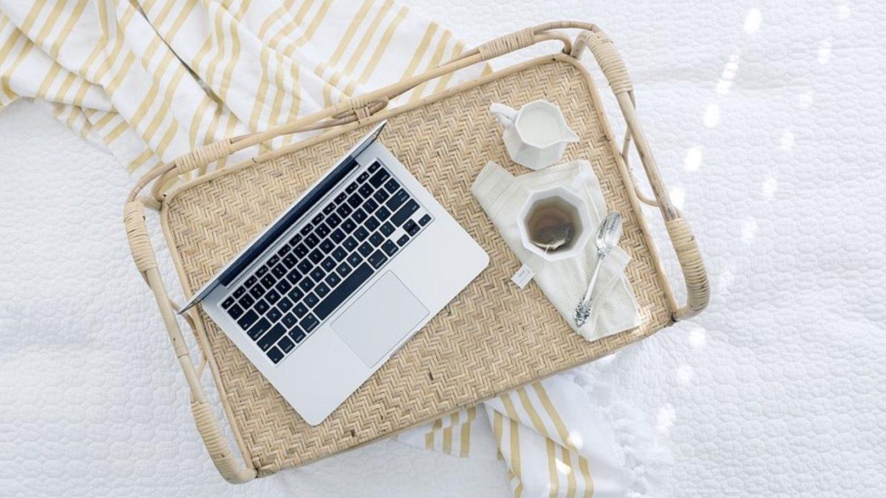パソコンと紅茶